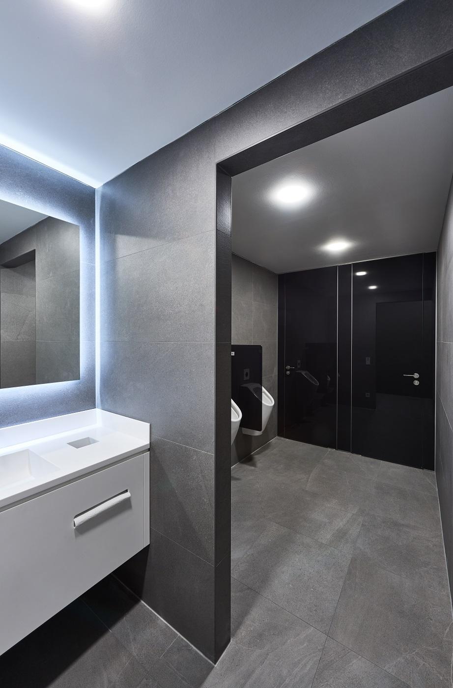 WC Trennwand Glas VENTO › Schäfer Trennwandsysteme