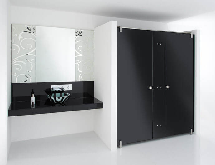 WC partitions and cabinets made from glass